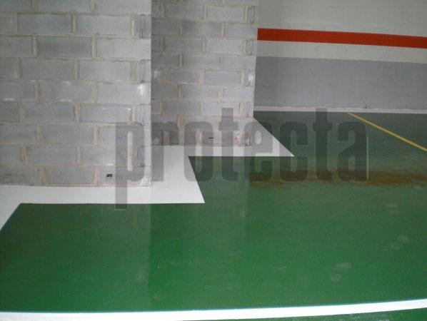 Ideal para suelos de hormigón y fratasados de cemento no protegidos que tienden a formar arenilla y polvo.